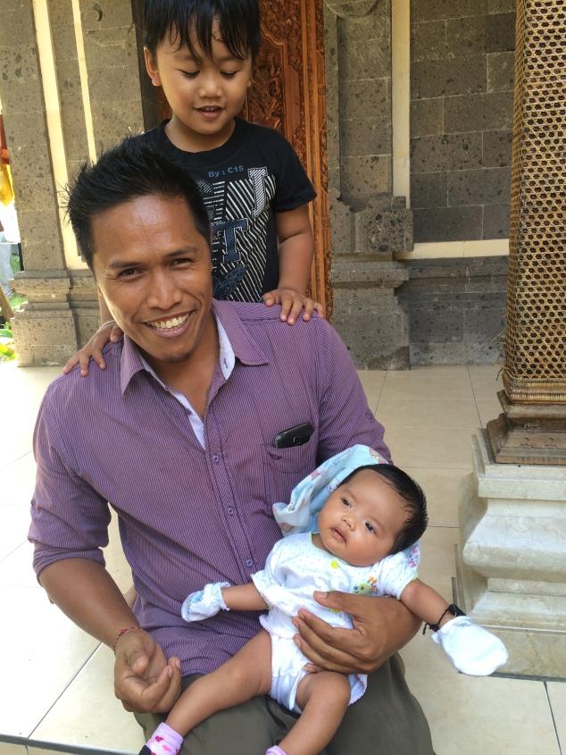 Wayan Ari and adorable children.
