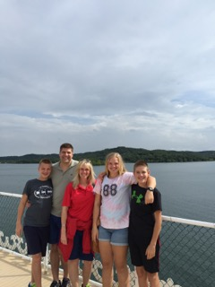 Family picture taken in Branson, Missouri